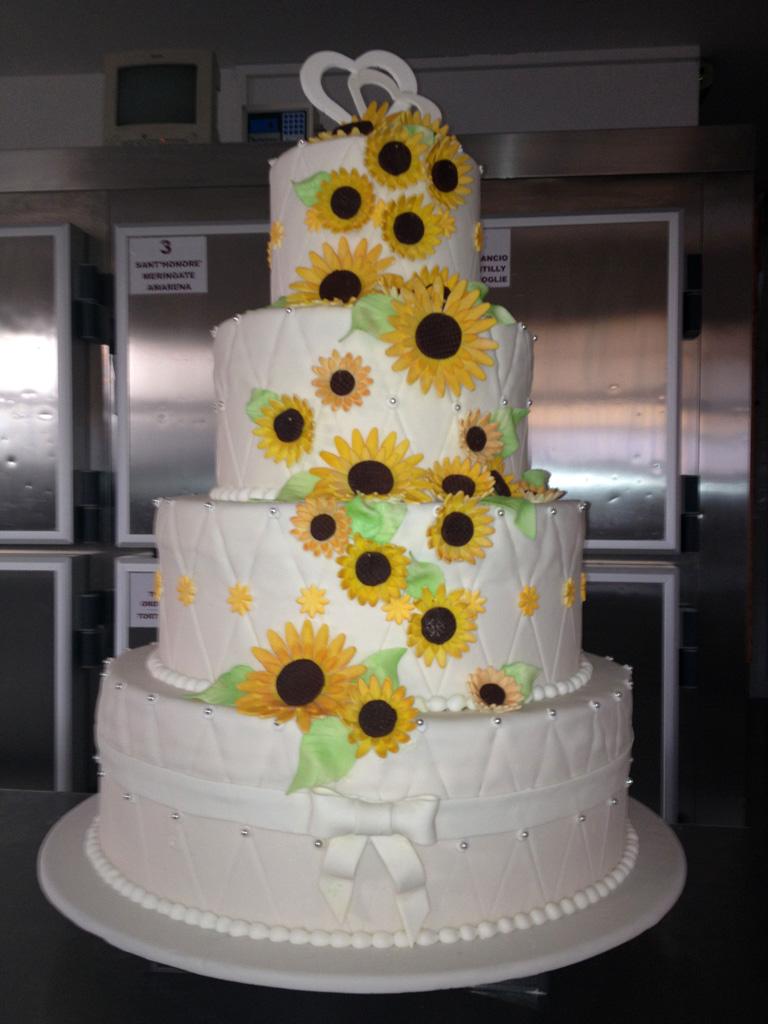 Torte Matrimonio Girasoli : Wedding cakes